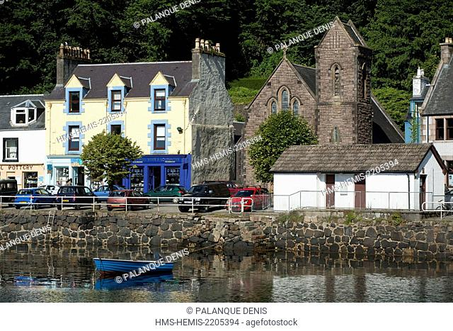 United Kingdom, Scotland, Hebrides, Isle of Mull, Tobermory, Church and pier