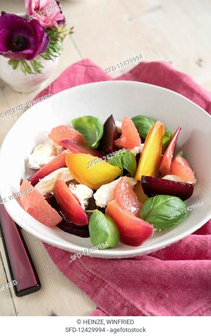 Beetroot salad with mozzarella and grapefruit