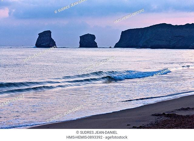 France, Pyrenees Atlantiques, Basque Country, Hendaye, the rocks themselves, the twins at the end of the beach of Hendaye is the extension of the Basque...