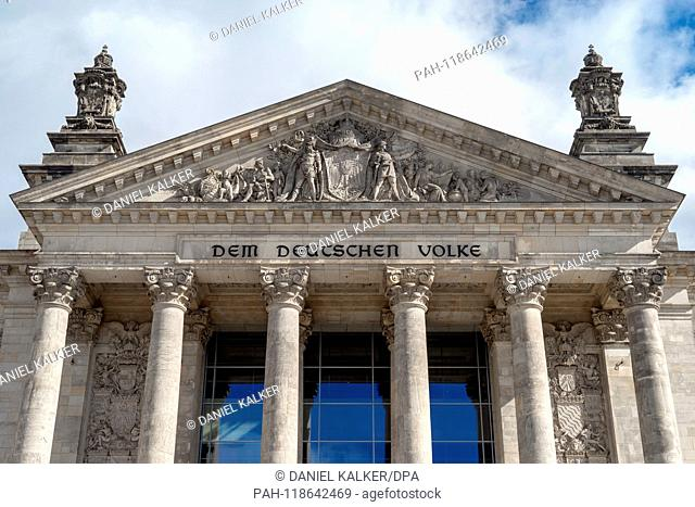 Germany: Main fassade of the Reichstag building seen from the west..Photo from 18 March 2019. | usage worldwide. - Berlin/Berlin/Germany