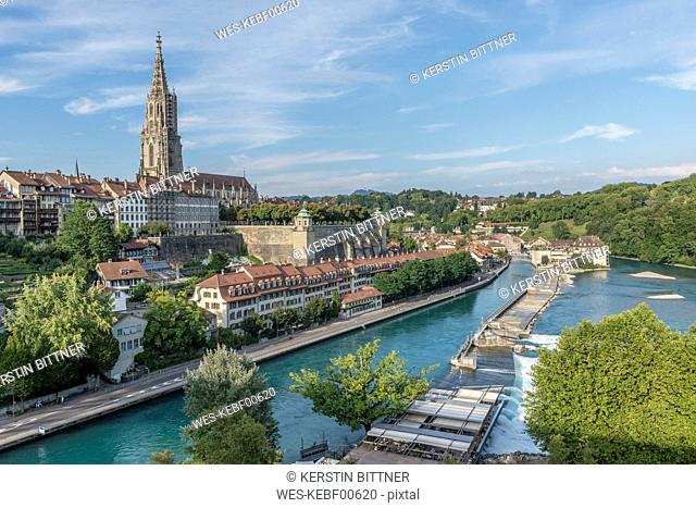 Switzerland, Bern, cityscape with minster and River Aare seen from Kirchenfeldbruecke