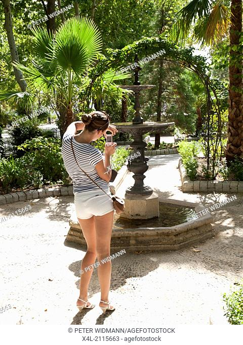 young, pretty woman on summer holiday, Spain, Andalusia, Ronda (model-released)