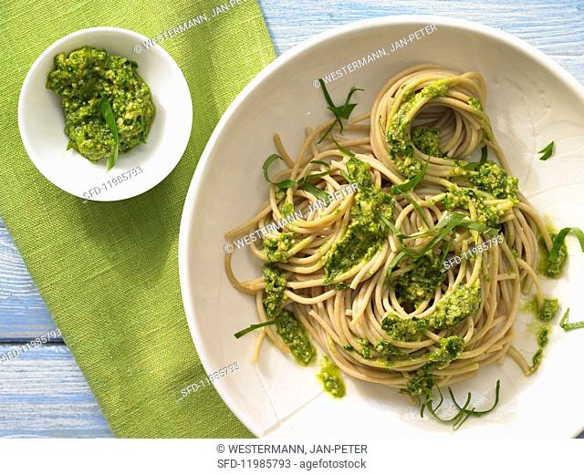 Spaghetti with wild garlic and almond pesto