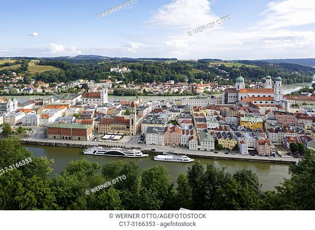 Passau, D-Passau, Danube, Inn, Ilz, panoramic view with Inn and Danube, old town, Jesuits church St. Michael with Leopoldinum high school, former Jesuit college