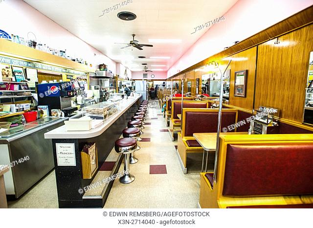 Bar and booths at a diner in Maryland