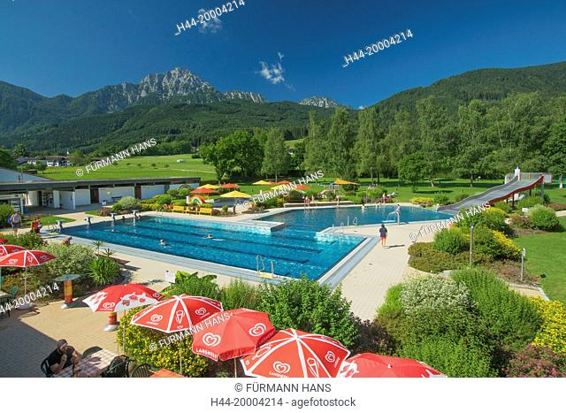 the Staufenbad swimming-pool in Aufham with the Hochstaufen in the background