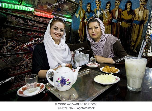 Iran, Isfahan, traditional tea house, women