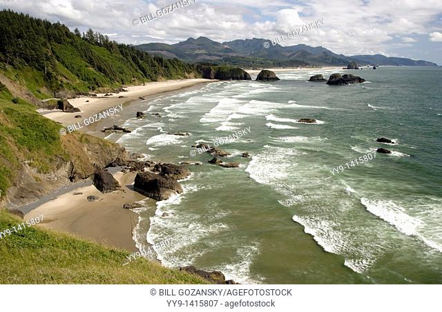 Pacific coast view from Ecola State Park - Cannon Beach, Oregon