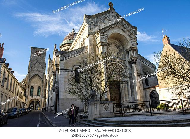 Saint Martin New Basilica (19th century). Tours, Indre et Loire, Loire Valley, France, Europe