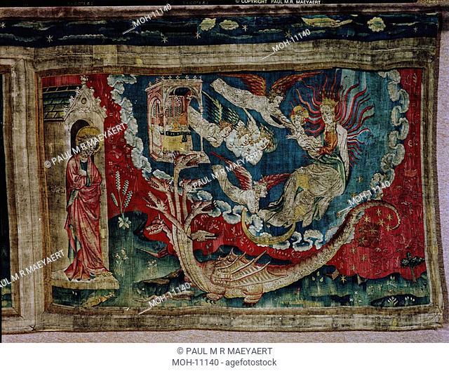 La Tenture de l'Apocalypse d'Angers, La femme revêtue du soleil 1,52 x 2,51m, die Frau mit der Sonne bekleidet