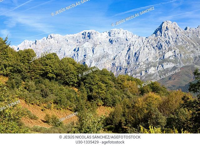 Overview of Friero Tower, in Urrieles Massif from Cornion Massif, in Picos de Europa National Park  Soto de Valdeon  Leon  Castilla y Leon  Spain