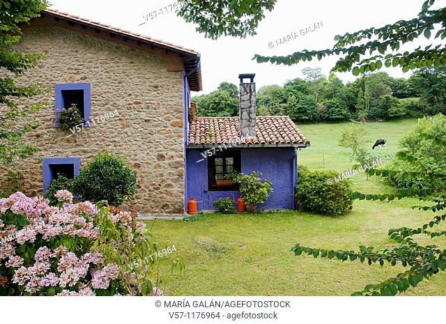 Rural house. Nueva, Asturias province, Spain