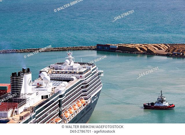 New Zealand, North Island, Hawkes Bay, Napier, elevated port view from Bluff Hill with cruiseship