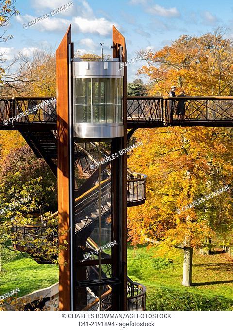 Europe, UK, England, London, Kew Gardens Treetop Walkway