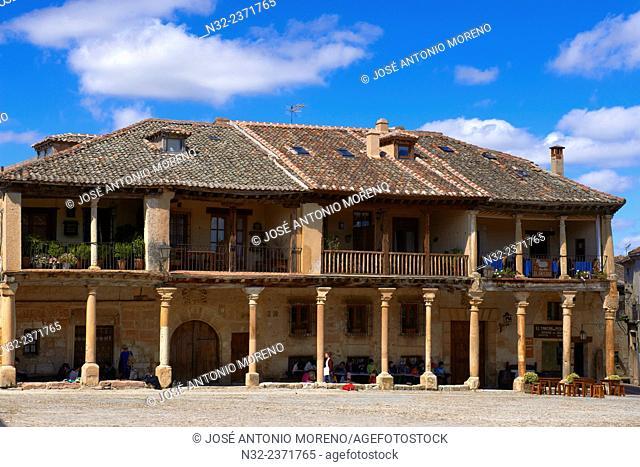 Plaza Mayor (Main Square), Pedraza, Segovia Province, Castille Leon, Spain