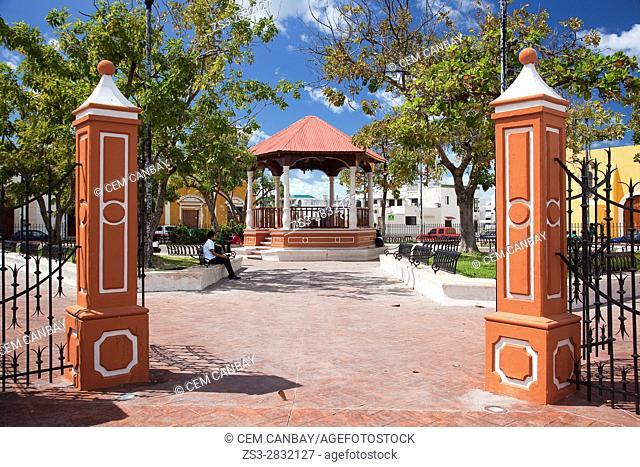View to the Parque de Guadalupe-Guadalupe Park, Campeche City, Campeche State, Yucatan Province, Mexico, Central America