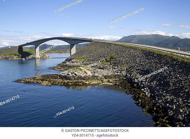 Atlantic Road or Atlanterhavsveien, from Bud to Kristiansund, More og Romsdal, Norway