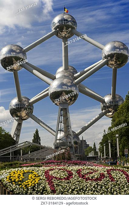 The Atomium monument designed by André Waterkeyn, Brussels, Belgium, Europe. Open flower logo. The Atomium, with its 102 meters high and 2400 tons