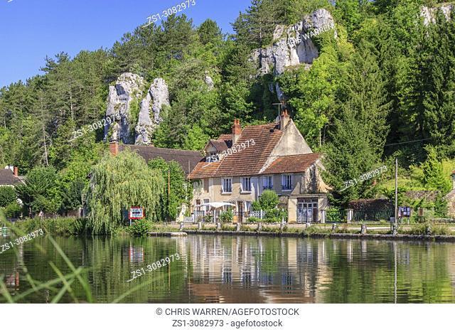 Rochers du Saussois Merry sur Yonne Yonne Bourgogne-Franche-Comte France