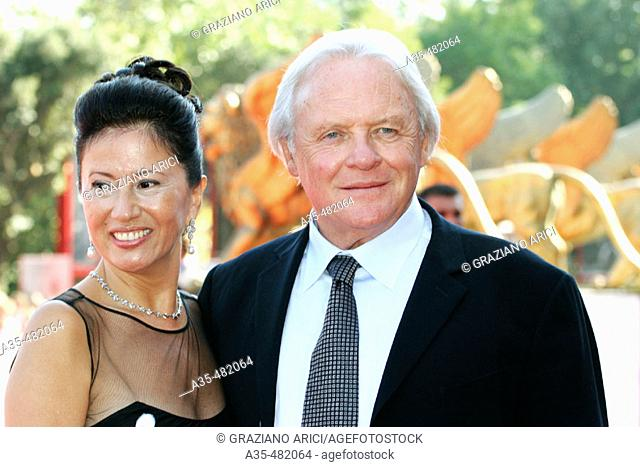 62nd Venice Film Festival (04/09/05): Film 'Proof' - Premiere/Red Carpet - actor Anthony Hopkins with his wife Stella Arroyave