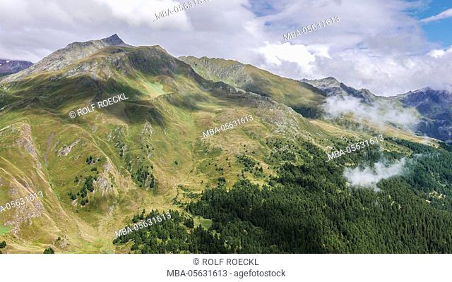 View over upper Passeier valley on meadows of the Schönauer alp with Schönauer Mähder, Gürtelwand, light, South Tirol