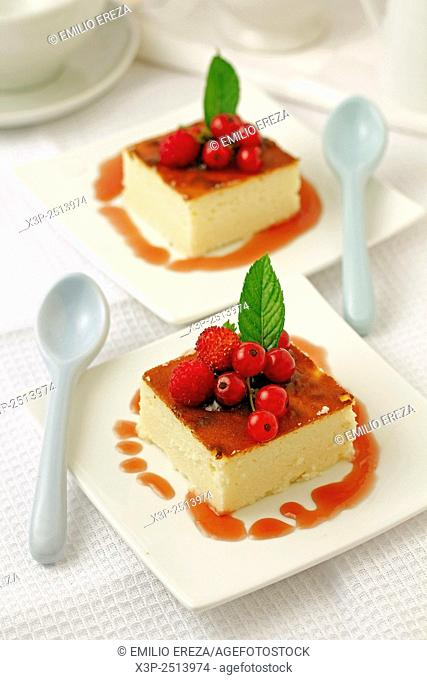 Cheese tart with red berries