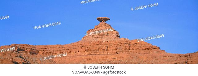 Mexican Hat rock formation, southern Utah