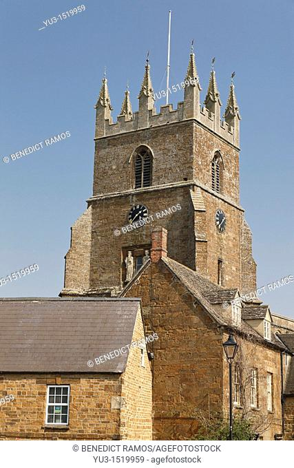 View of the church of St Peter and St Paul in the north Oxfordshire village of Deddington, England, UK