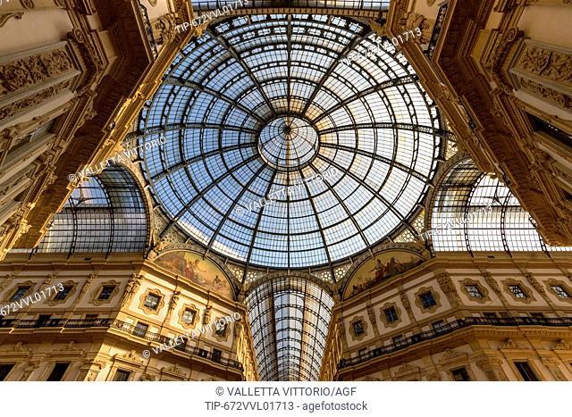 Italy, Lombardy, Milan, Vittorio Emanuele II Gallery