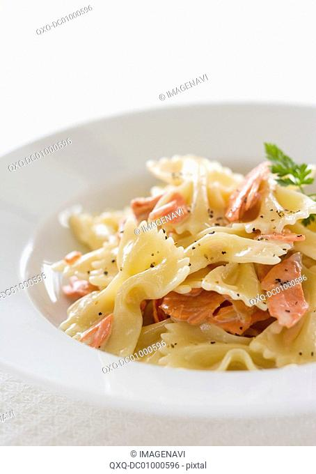 Farfalle with salmon and cream sauce