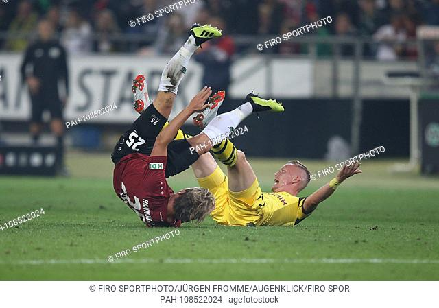 firo: 31.08.2018, football, 1.Bundesliga, season 2018/2019, Hanover 96 - BVB Borussia Dortmund 09 duels Marius Wolf versus Oliver Sorg