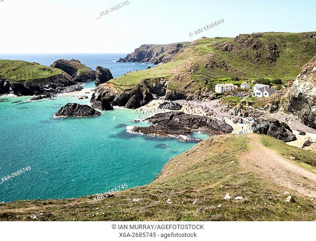 Coastal scenery, Kynance Cove, Lizard peninsula, Cornwall, England, UK