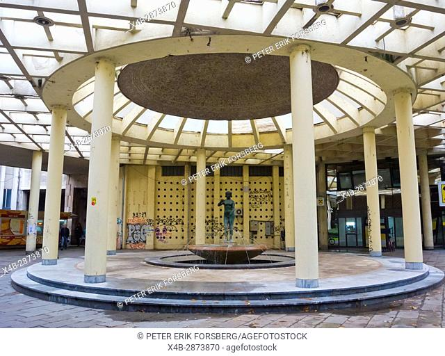 Bezistan Bazaar, covered courtyard with a statue and fountain, next to Terazije street, Stari Grad, Belgrade, Serbia