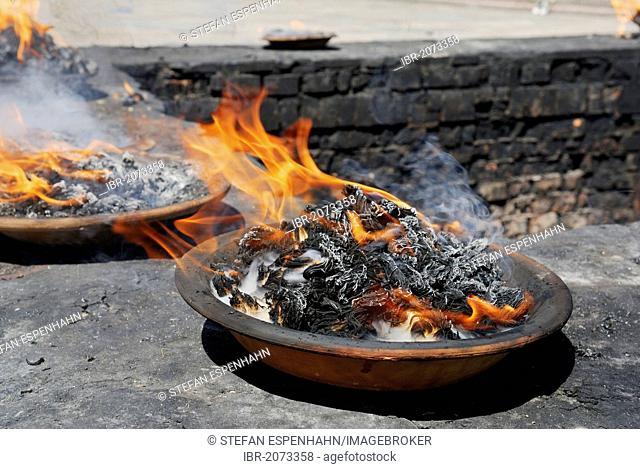 Fire in a dish, Pashupatinath, Kathmandu, Nepal, Asia