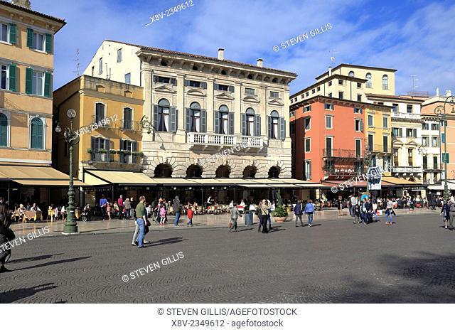 Diners at pavement restaurant Piazza Bra Verona Italy Veneto