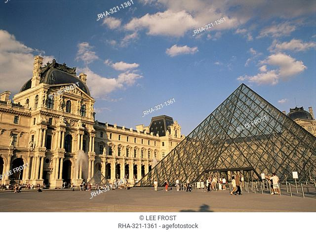 La Pyramide and the Musee du Louvre, Paris, France, Europe