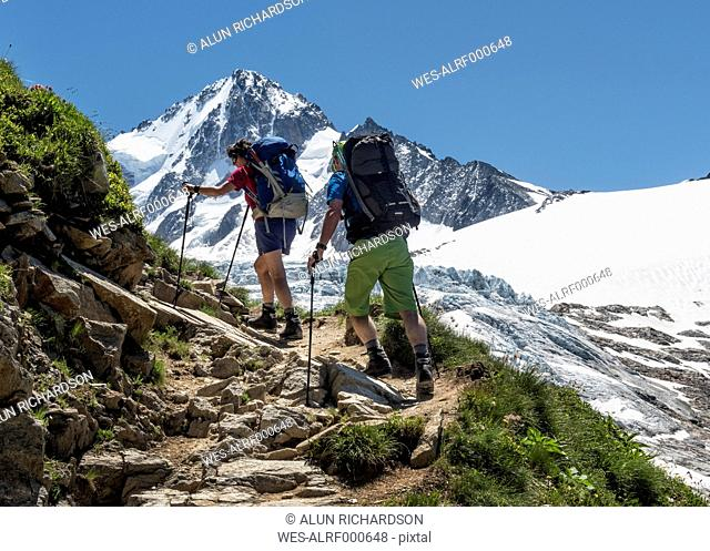 France, Chamonix, Mountaineers at Le Tour