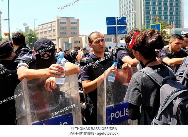 Police tries to clear protesters off Taksim square with force in Istanbul, Tureky, 11 June 2013. Several thousand demonstrators are protesting in Gezi Park and...