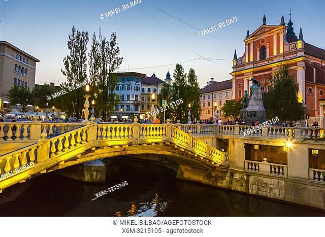 Franciscan Church of the Annunciation. Preseren square and the Triple Bridge. Ljubljana, Slovenia, Europe