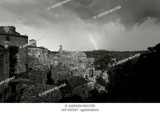 Monte Amiata struck by lightning, Sorano, province of Grosseto, Tuscany, Italy, Europe