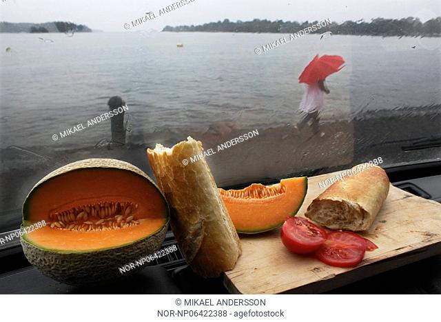 Rain and food, Sweden
