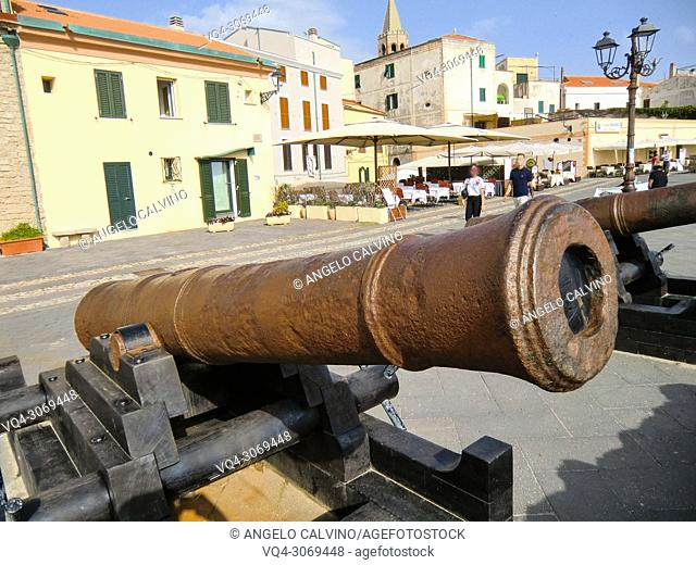 Alghero, 18th century cannons, Italy, Sardinia, Sassari