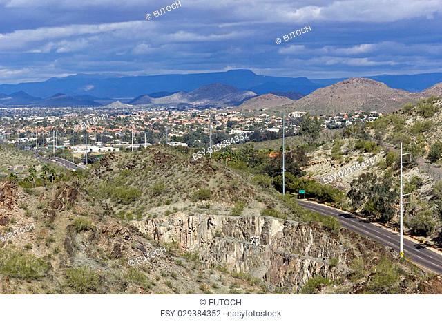 7th Street running thru Tapatio Cliffs to Northern Phoenix & Scottsdale, Arizona