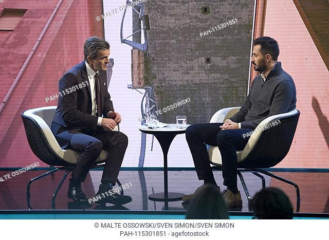 "Davide CAPELLO, ITA, survived the bridge collapse of Genoa, moderator Markus LANZ, on the show """"Menschen 2018"""", annual review on ZDF, broadcast on 20"