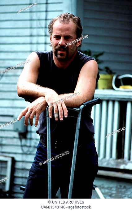 Bruce Willis Vietnam-Veteran Emmett Smith (Bruce Willis) lebt ohne berufliche und soziale Ambitionen vor sich hin. *** Local Caption *** 1990, In Country