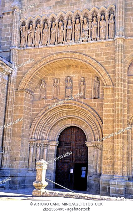 The Cathedral of Santa María, XII-XIVth centuries. Gate of Chains. Ciudad Rodrigo, Salamanca, Spain