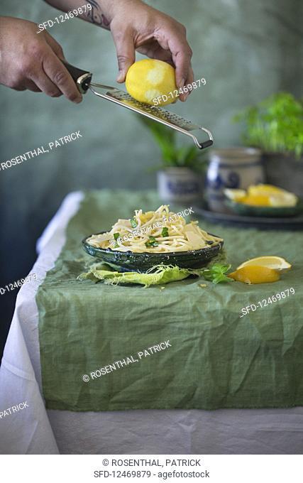 Spaghetti with lemon and wild garlic