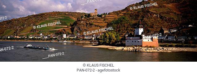 Rhine River with Castles and Boat, Die Pfalz bei Kaub with Castle Gutenfels, Rheinland-Pfalz, Germany