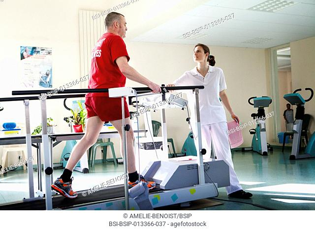 Reportage in the Les Grands Prés cardiac rehabilitation centre in Villeneuve Saint Denis, France. Cardiac stress rehabilitation monitored by a team of...