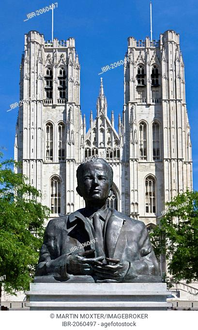 Monument to Baudouin, Boudewijn, in front of the St. Michael and St. Gudula Cathedral, Brussels, Belgium, Benelux, Europe
